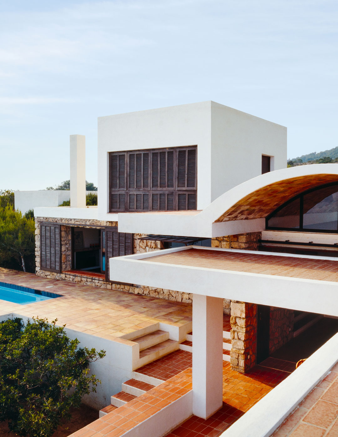 Ses Voltes, Raimon Torres and Pierre Colin, Cala Carbó, Sant Josep, Ibiza, Balearic Islands (ES), 1964. From Mid-Century Modern Houses