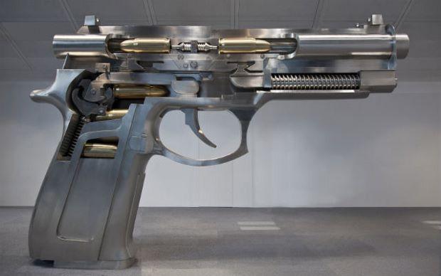 Fire at Both Ends Automatic Handgun (2013) by Wang Luyan