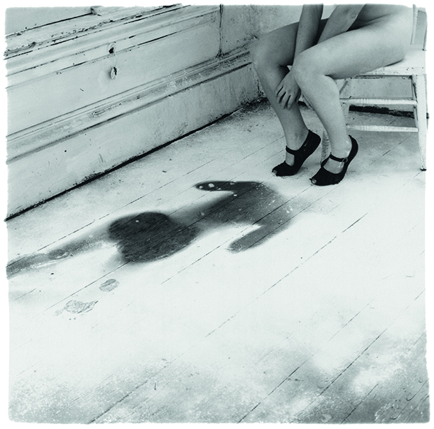 Francesca Woodman, Untitled, Providence, Rhode Island, 1976, gelatin silver print, 14 x 14.1 cm (5 ½ x 5 ½ in), private collection. Courtesy George and Betty Woodman. From Body of Art