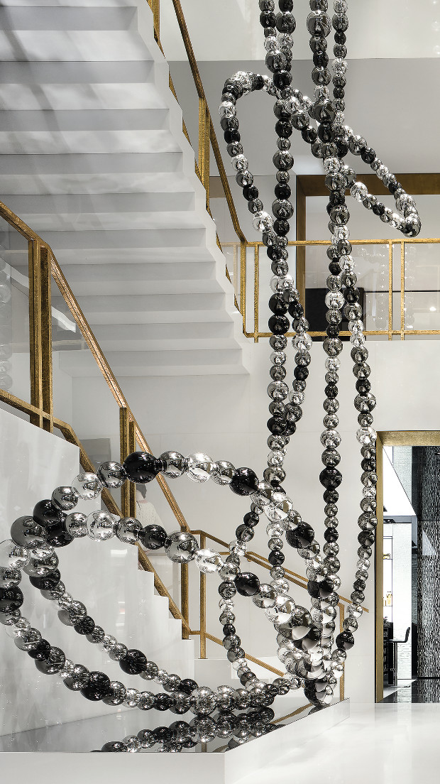 Collier Cascade, 2013, Hand-blown mirrored glass pearls, stainless-steel structure and base 36 ft. × 12 ft. 3 in. × 6 ft. 3 in. (10.97 × 3.72 × 1.90 m) Chanel, New Bond Street, London, UK, by Jean-Michel Othoniel. From Peter Marino: Art Architecture