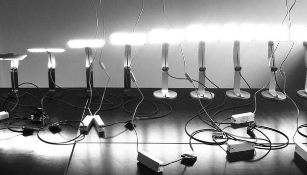 Moorea OLED desk lamp - Daniel Lorch for Philips