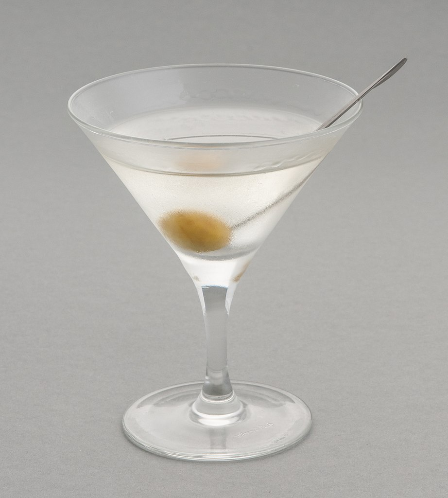 A martini; photograph by Ralf Roletschek (roletschek.at) via Wikimedia Commons