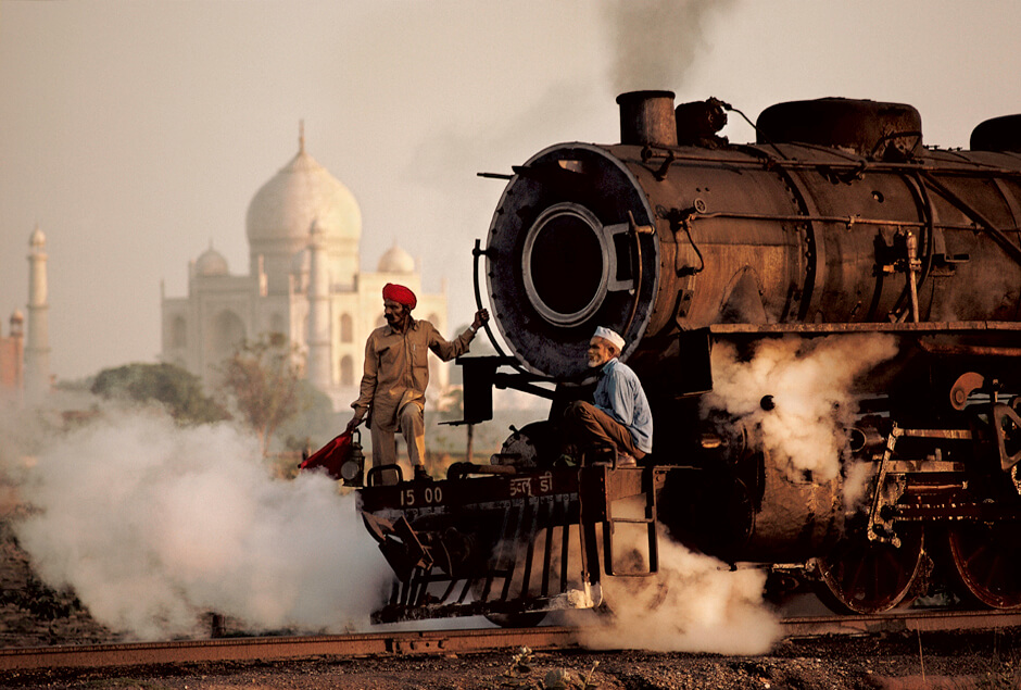 Steve McCurry, Steam train passes in front of the Taj Mahal, Agra, Uttar Pradesh, 1983. All images taken from India by Steve McCurry